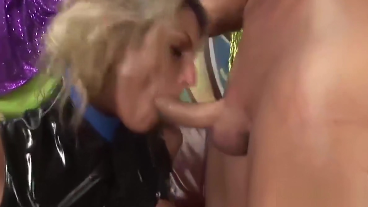 busty oiled Milf extreme fisted nude jocks locker room