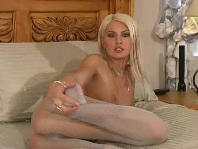Kelly Marie Hose Seduction Yahoo sex chat
