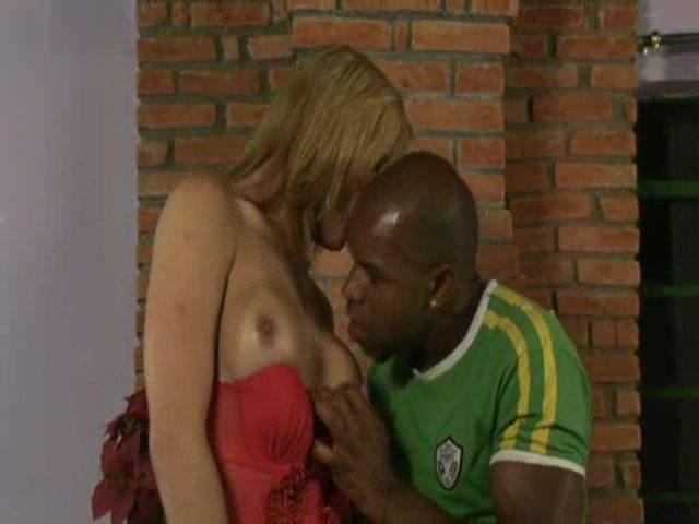 Blonde Tranny Makes Him Cum Dansk sex movies