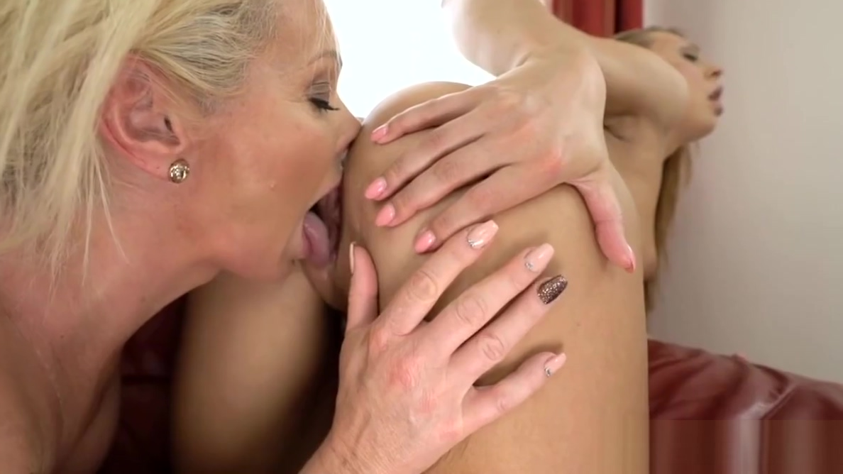 Superhot mature and her younger girlfriend Sex harness women