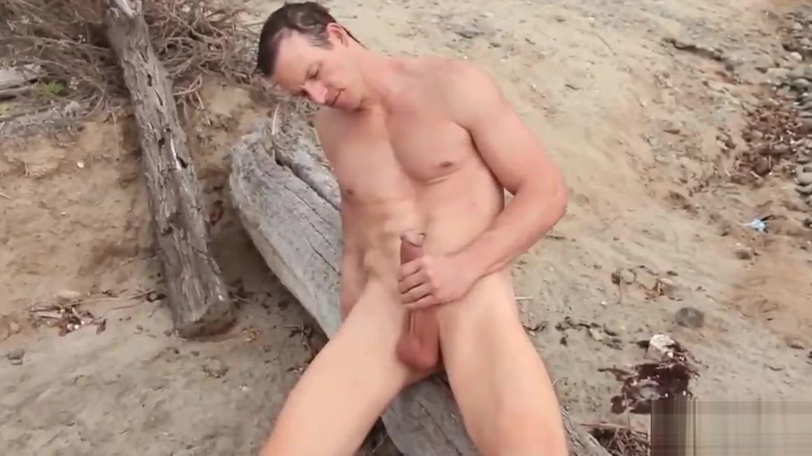 Davey Jones masturbating outdoor Asian avenue com flirt