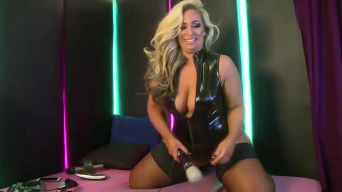 Kellie O Brien in latex pvc stockings and vibrator lana rhoades porn videos 4