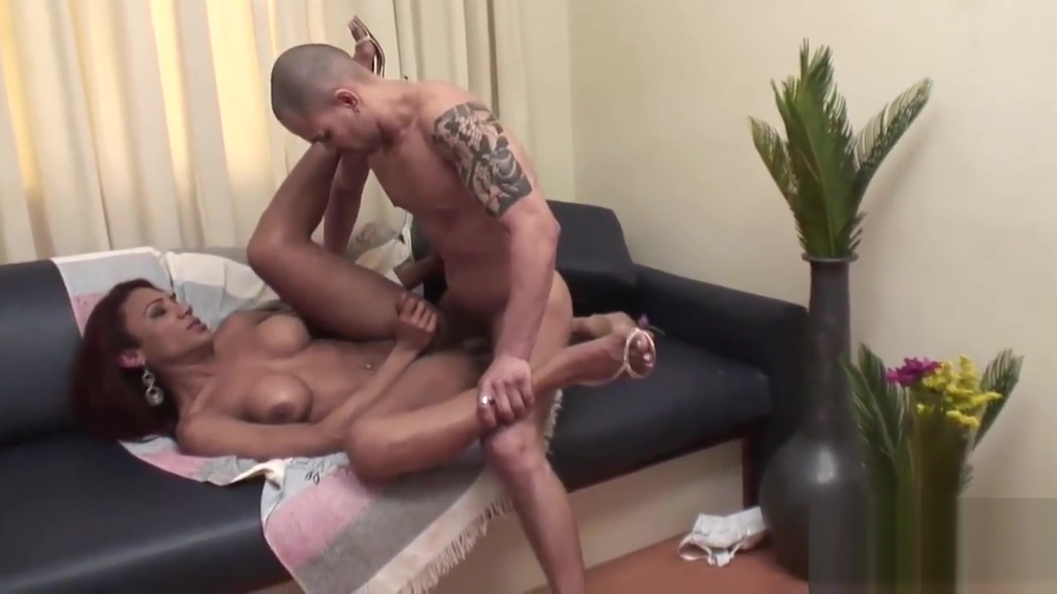 Shemale Gislaine Rodrigues Fucked in Ass