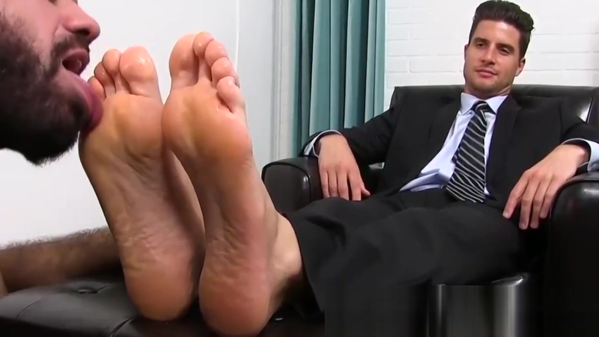 Classy jock in the suit getting his feet licked by a bearded shower fuck slim girls