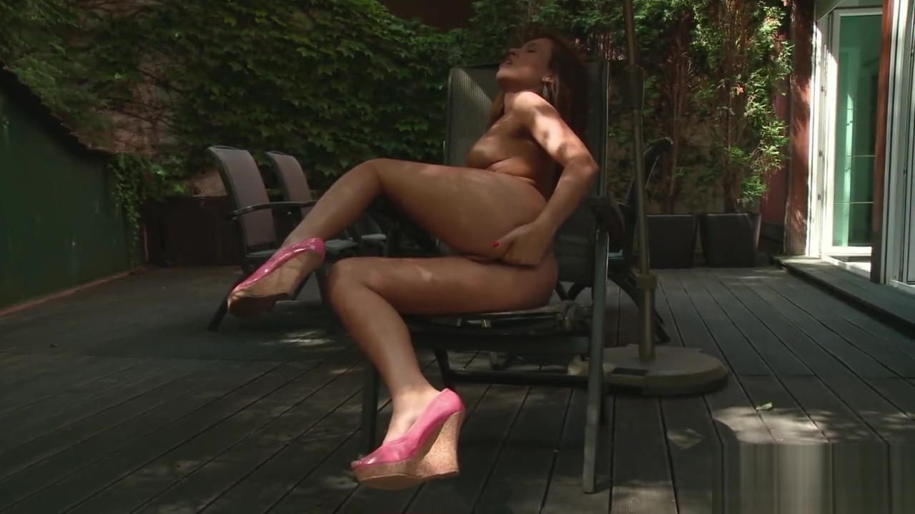 PAWG Eurobabe Masturbates Outdoors Prick fucking moms cunt and son