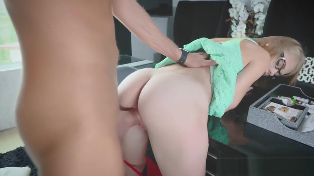 Nice tiny secretary Hannah Hays rides and sucks her bosses c Sex naked close up