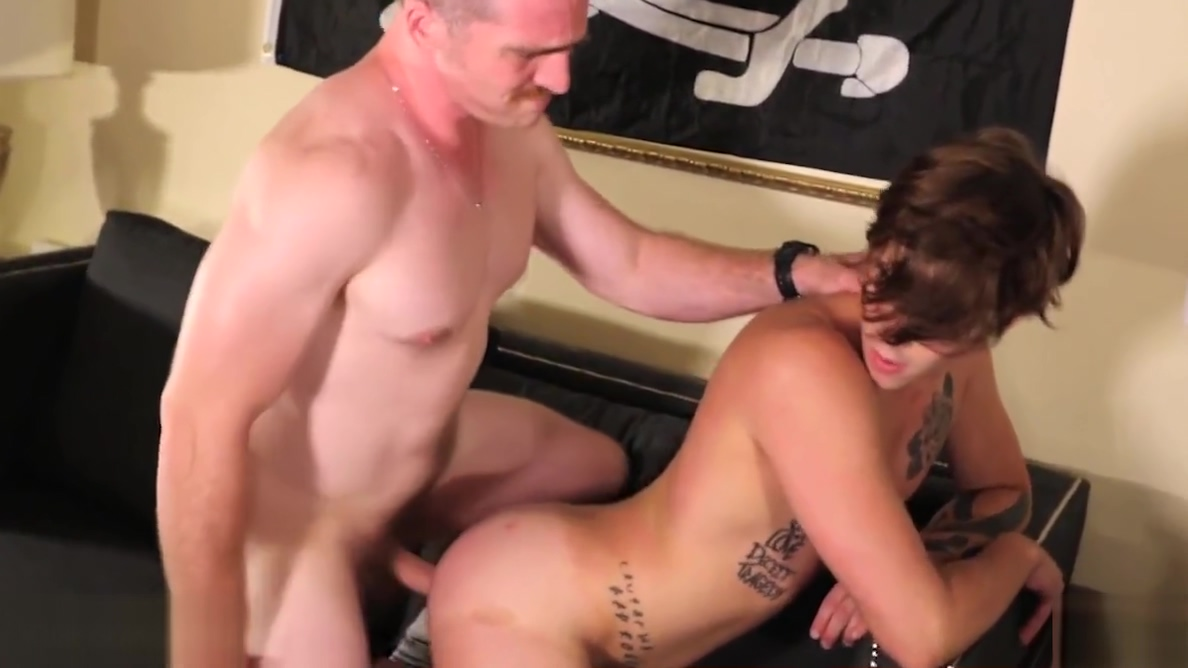 Alex Killborns bubble-butt gets stuffed by Nate Stetson Hunk is pounding gal after moist oral sex