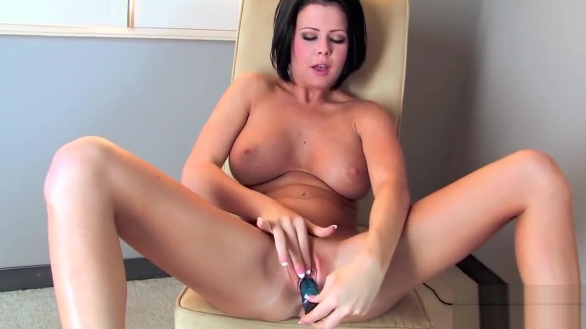 Twistys - Loni Evans starring at Joy Fountain Shannon Elizabeth Nude Movies