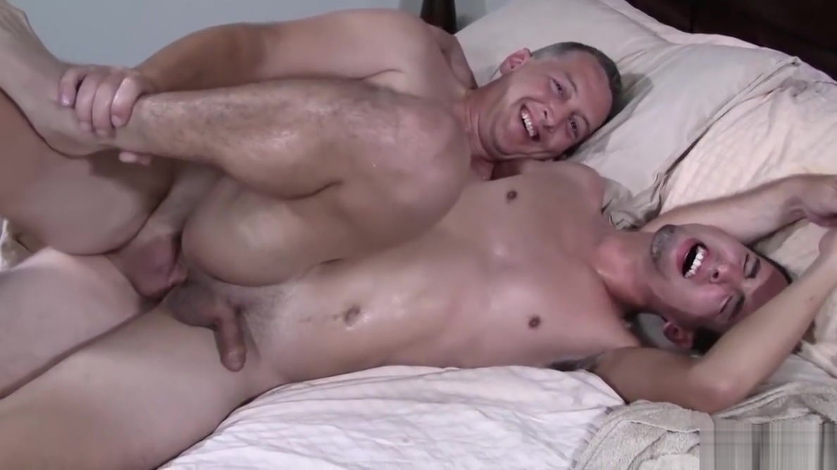 Twink Rentboy Bareback Party With Daddy Homegrown hand job