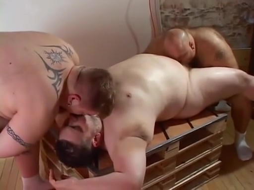 Bear Hole Hot asians making out