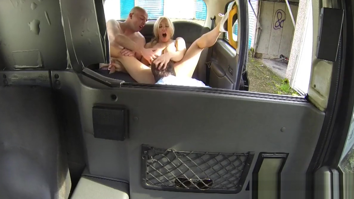 English cabbie spitroasted on the backseat Teens lesbians anal fuck in a hotel
