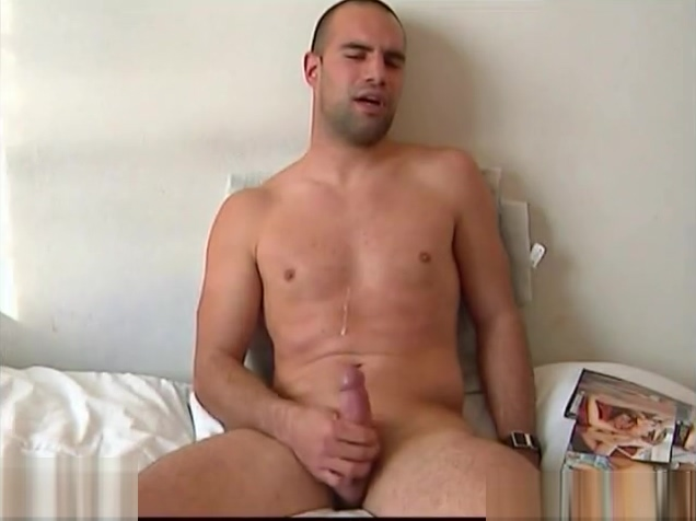 Full video: A nice innocent str8 guy serviced his big cock by a guy! free video gallery cumshot
