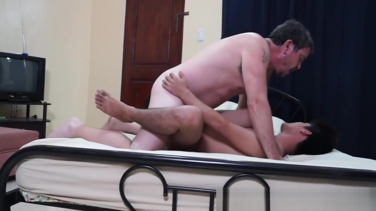 Daddy ass pounding filipino twink Best way to find a cougar