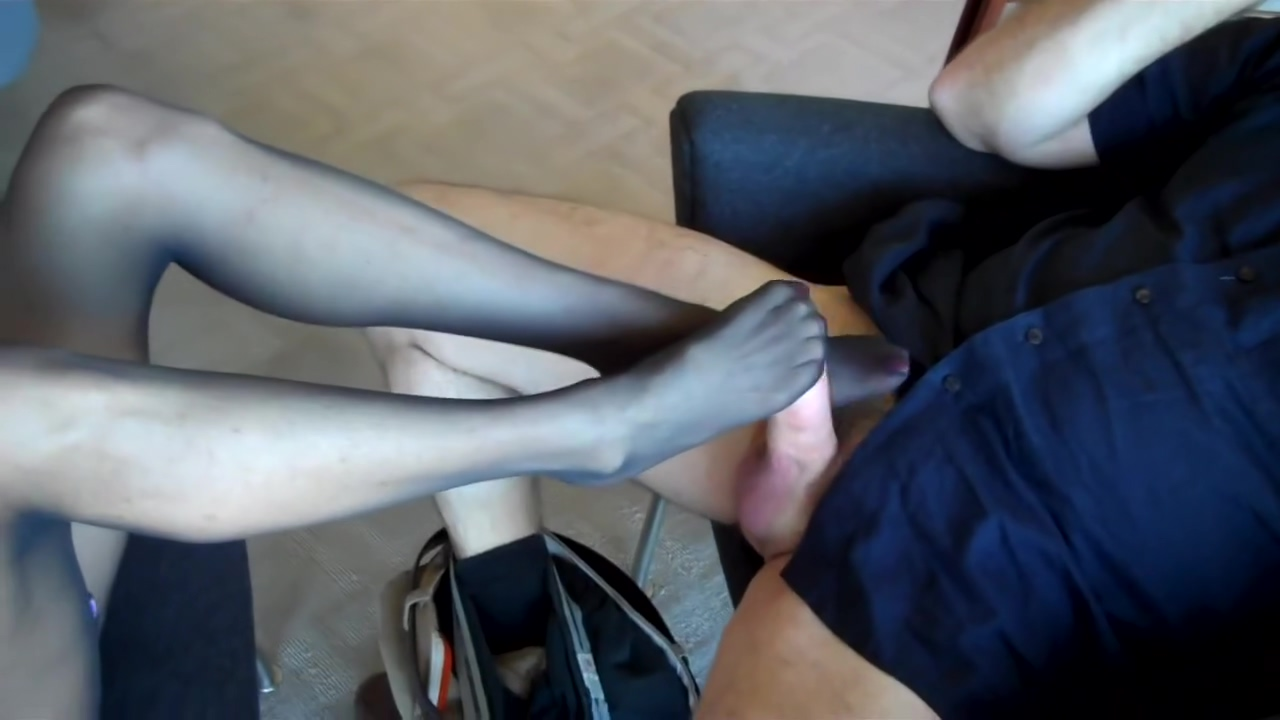 with-abs-smelling-womens-pantyhose-videos