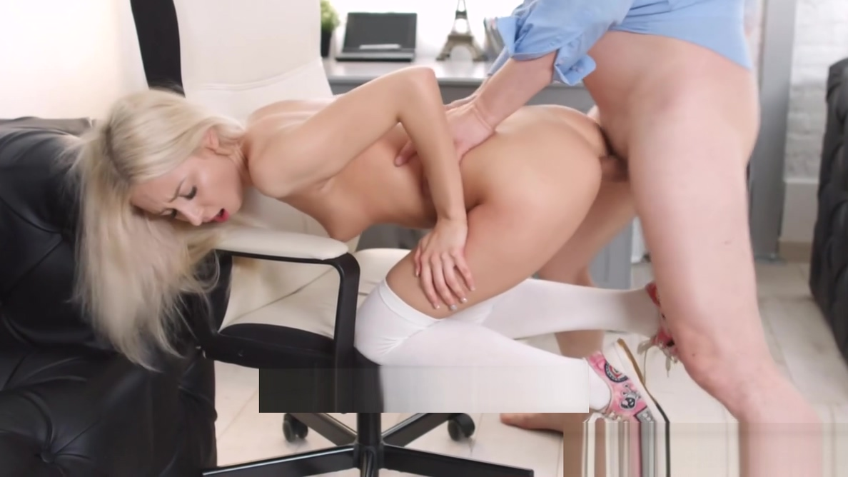 Tricky Old Teacher - Old man tastes juicy pussy of a blonde Rough sex anabolic