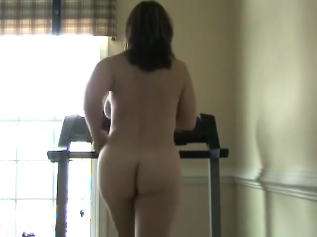 Milf on treadmill Jennifer Max Playing with Angelika