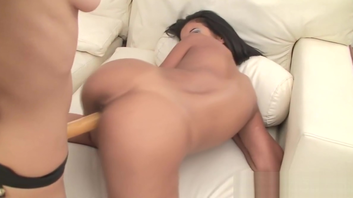 Teen Lesbians Licking Pussy and Toying Mike adriano licking ass