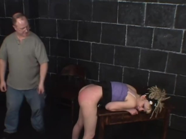 Gwen Getting Spanked Part 3 Strip her naked stories