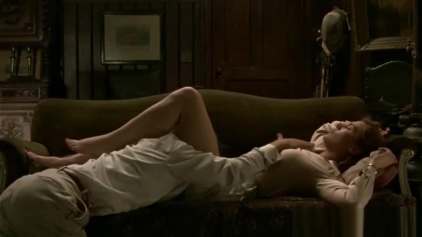 Kate Winslet - Mildred Pierce anchor hocking vintage punch bowl