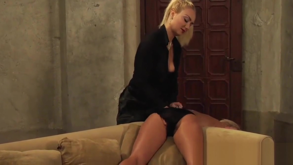 Leather And Lace: Mistresses Pussy Polishing Service black peeing pussy
