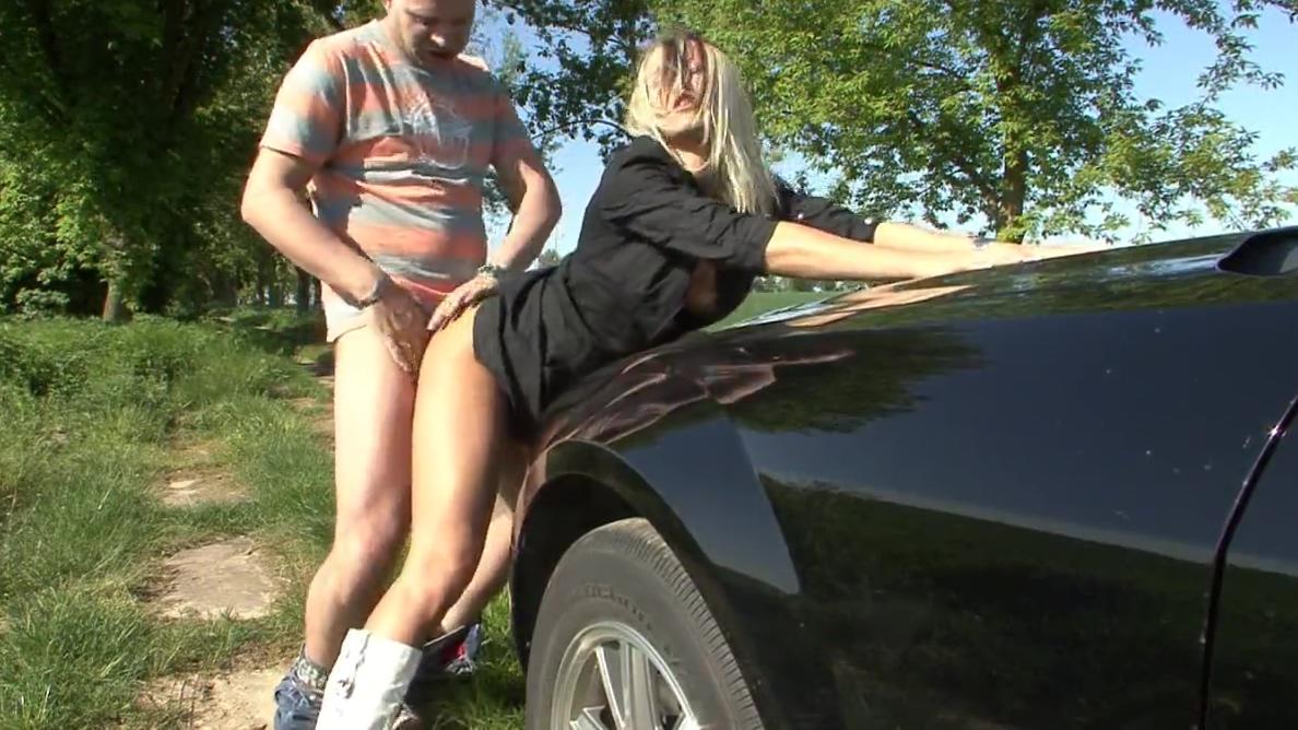 Deutsche blondine geil am AUTOHAUS mit Outdoor Fick und NS South african girl nude pussy image