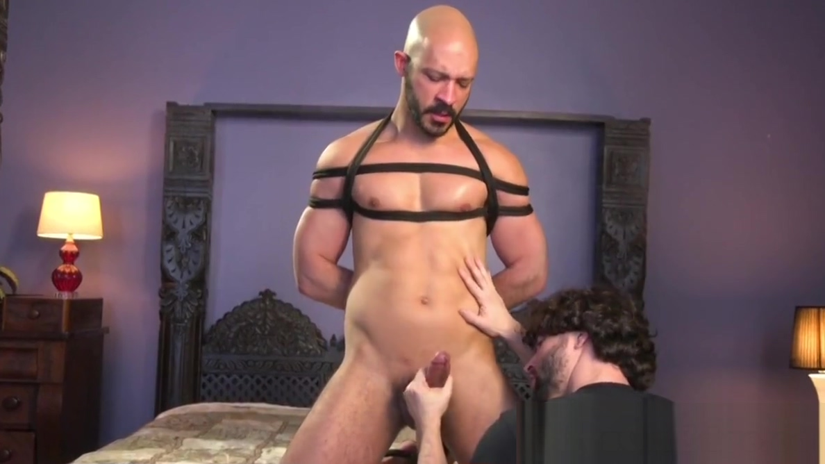 Restrained sub jerked until cumshot by dom sex mode in grand auto theft