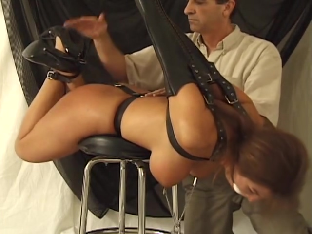 Alexis Taylor Black Armbinder Sexy nude big breast blondes