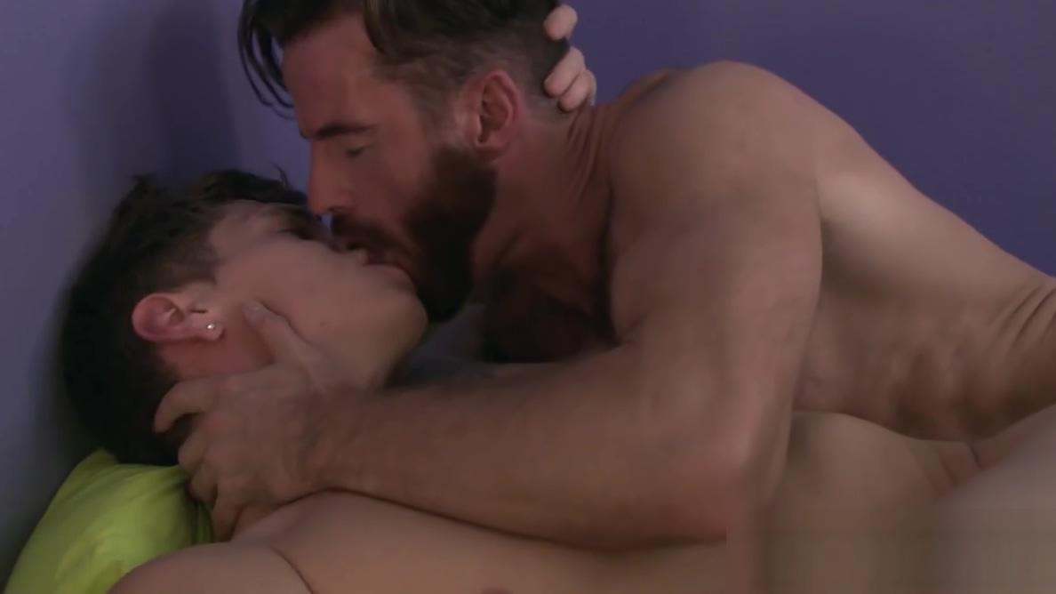 Bearded stud Billie Ramos bangs twink boyfriend Troy Accola i have a sex problem