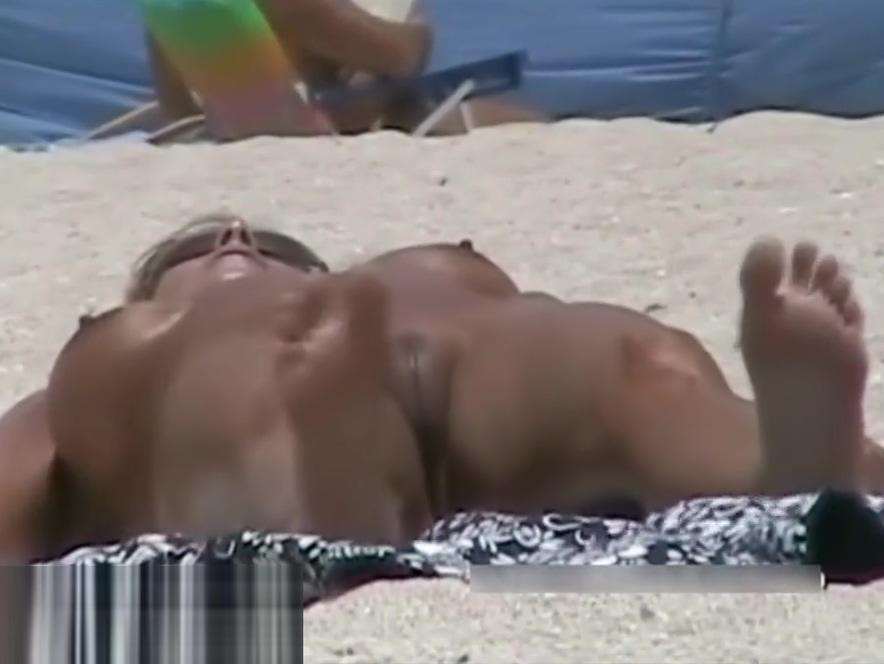 Amateur nudist brunette pussy on hidden cam Wellhello rating