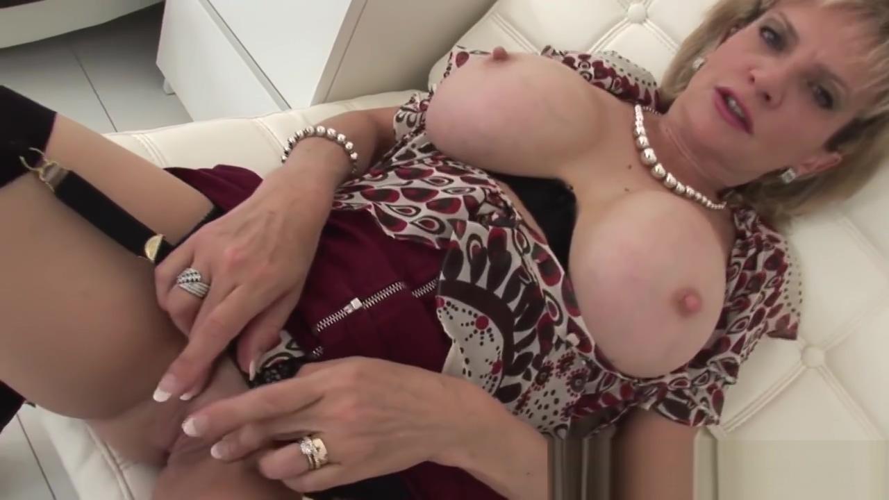 British Milf Lady Sonia home alone masturbation and tit play African black women sex videos