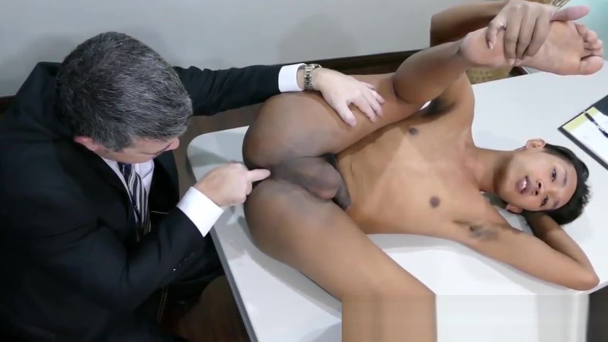 Pinoy twink doggystyled by office dilf Malayan Hot