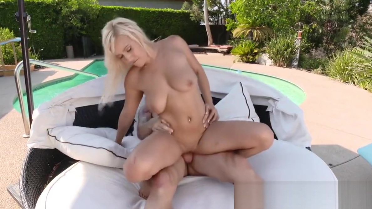 Curvy blonde Kylie Paige gets slammed saxy girls in hanford