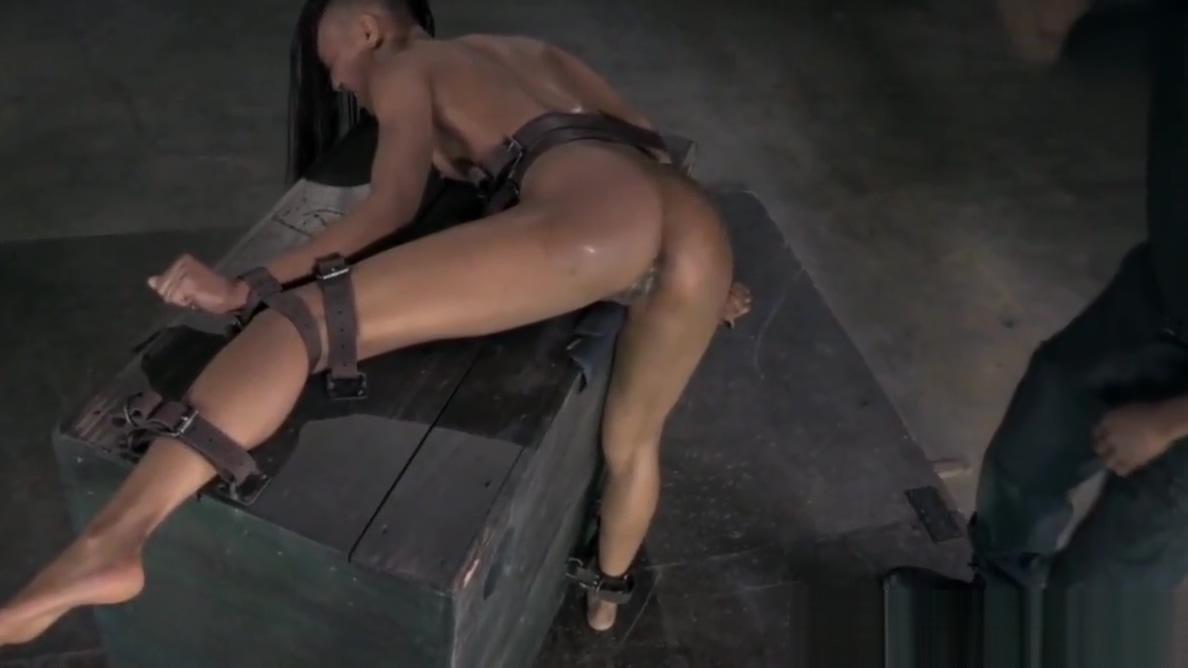 Ebony sub gets feet dominated by master Hindiyan Xxx Vedio