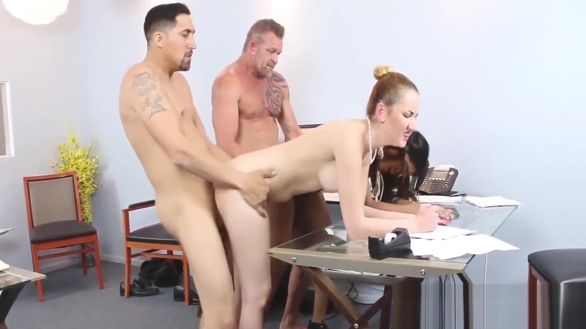 Gigi Flamez and Katalina Mills getting pounded in office Der arsch meiner geilen milf mutter