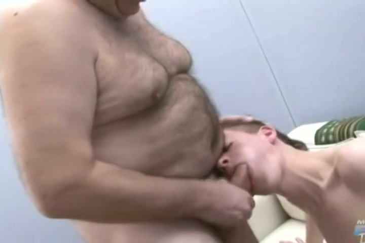 Seed HD Older fat wife with huge tits loves to show them