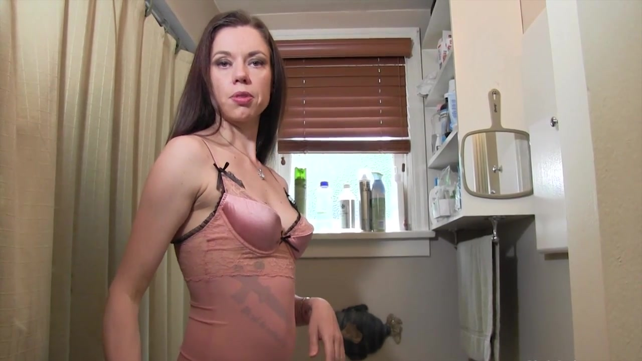 Jerking off in front of mommy veronica avluv lesbian squirting