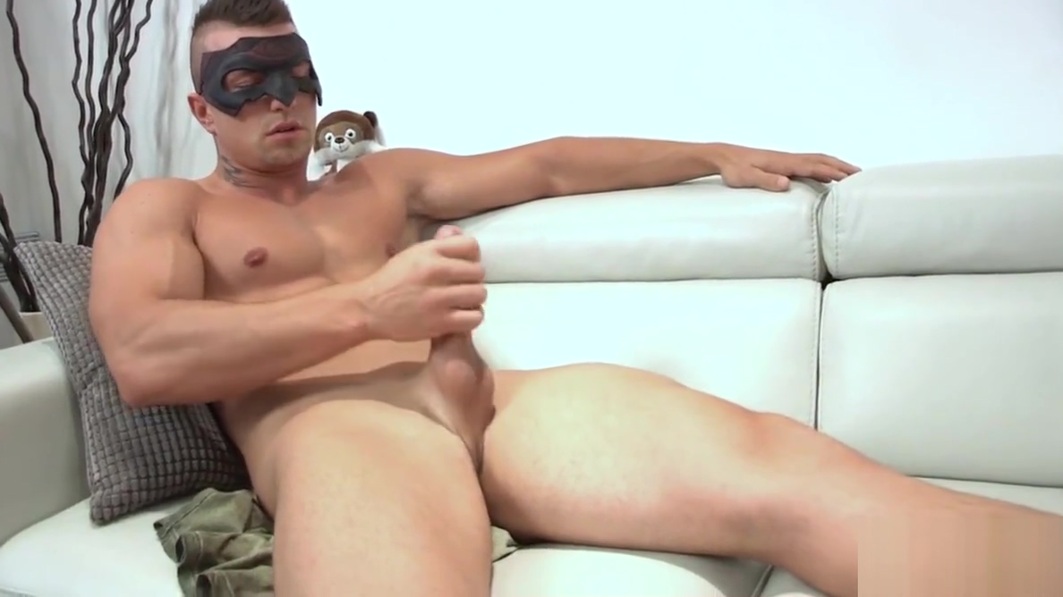 Maskurbate Hidden Identity Masked Hunk sisters pussy pic