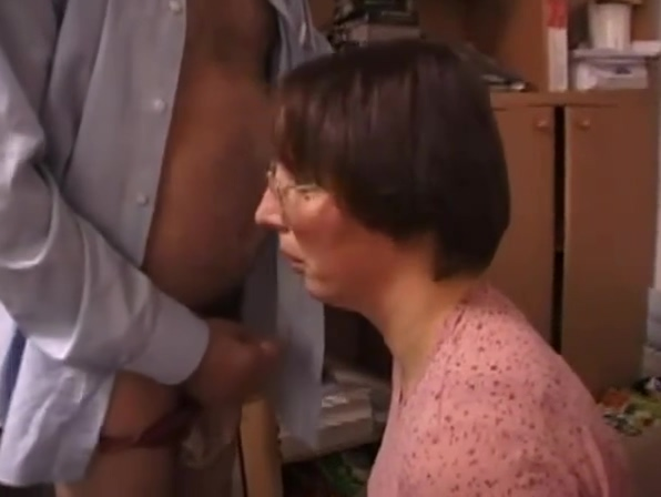 Amateur French Wife Sucks And Fucks Old Man ! Anal Penetration Party