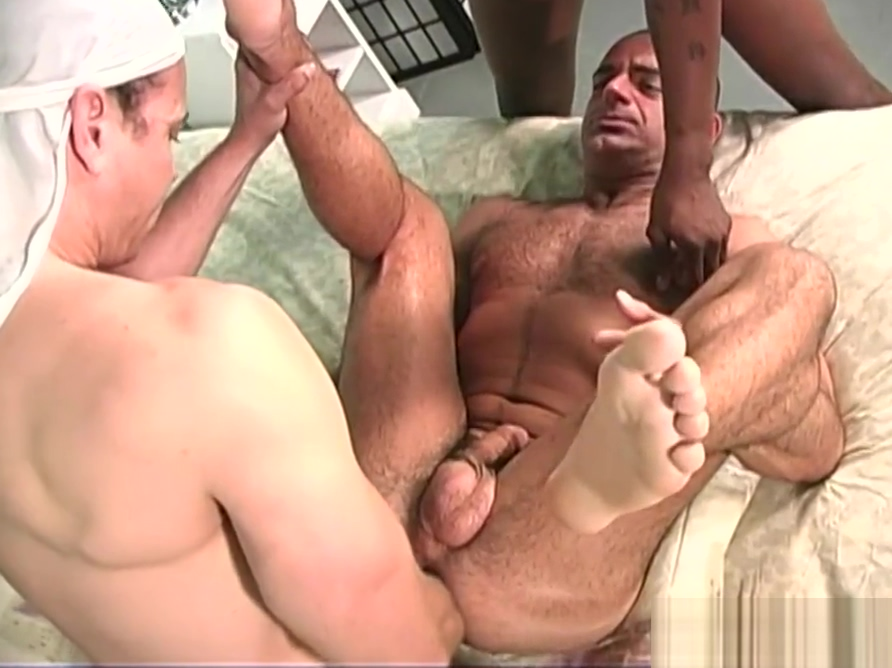 Muscular white guy gets banged by two black thugs Imags sexy