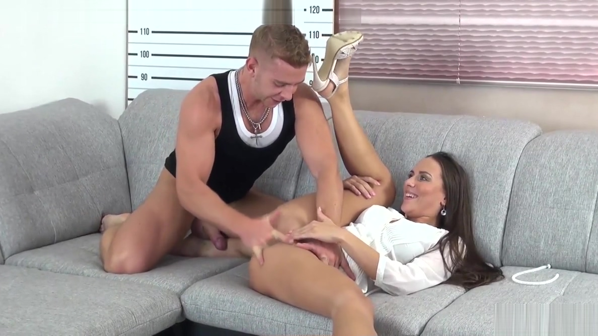 Bad Boy Fails Miserably with Pornstar Mea Melone Sex dayting