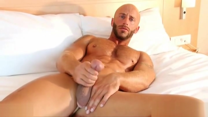 Full video: A sexy guy serviced his big cock by a guy! Adults dating sites