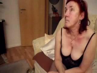 Having fun with my mature slut. Amateur older Women spreading creampie pics