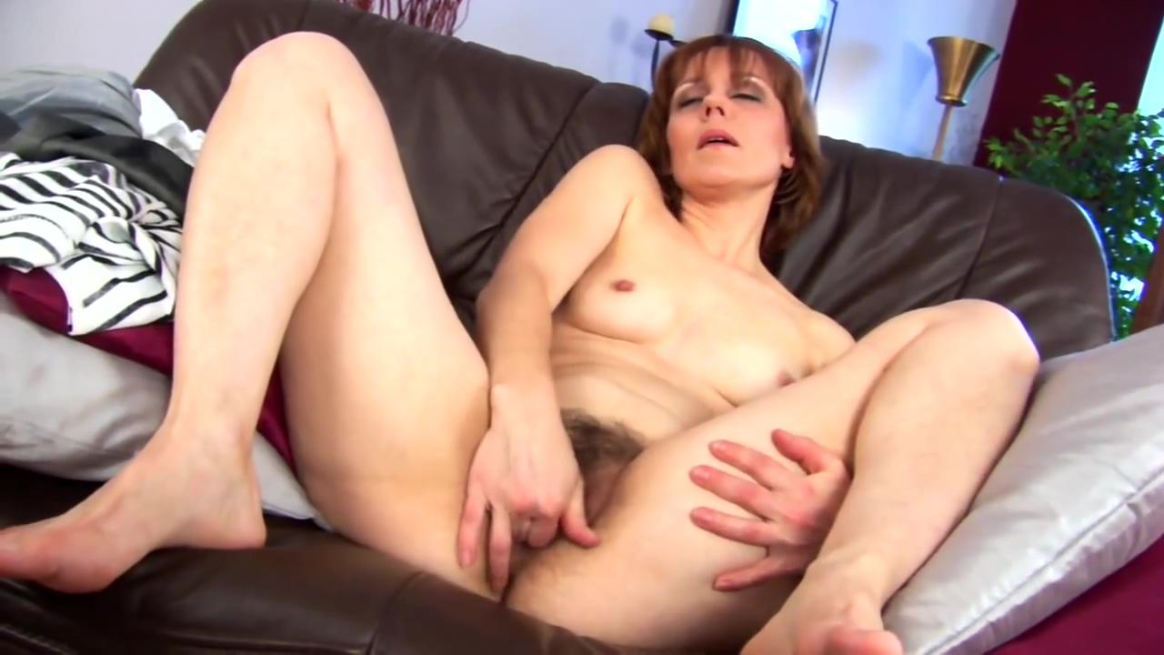 Middleaged Mylene masturbates woman wear sexy sex tube