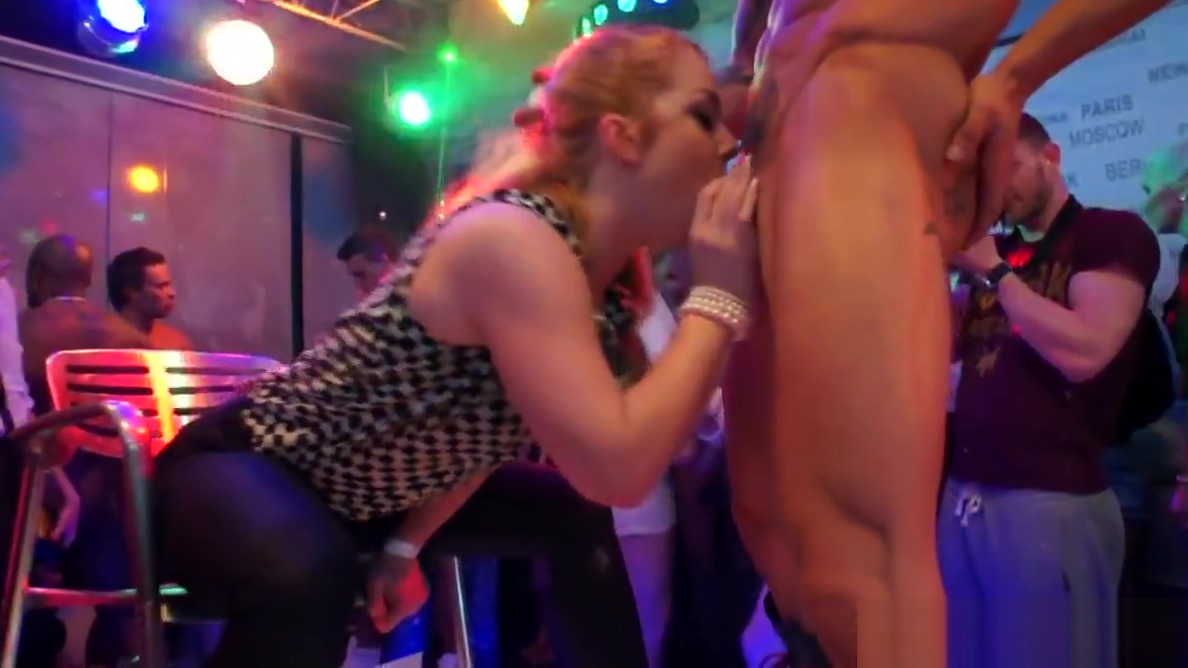 Amateur euro skanks cocksucking at sexparty