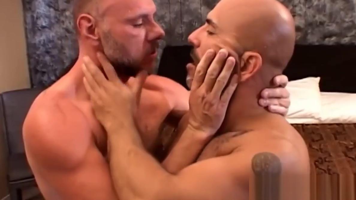 Studs bareback and jerk free sexy video l8