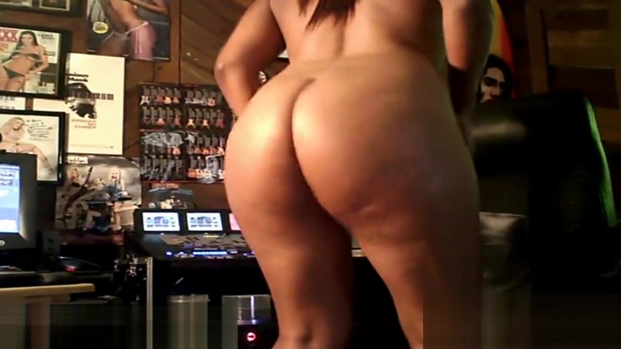 Ebony Ass Worship Booty Clapping Ass Shake with Big Boobs Indian man women opeh fuking naked live
