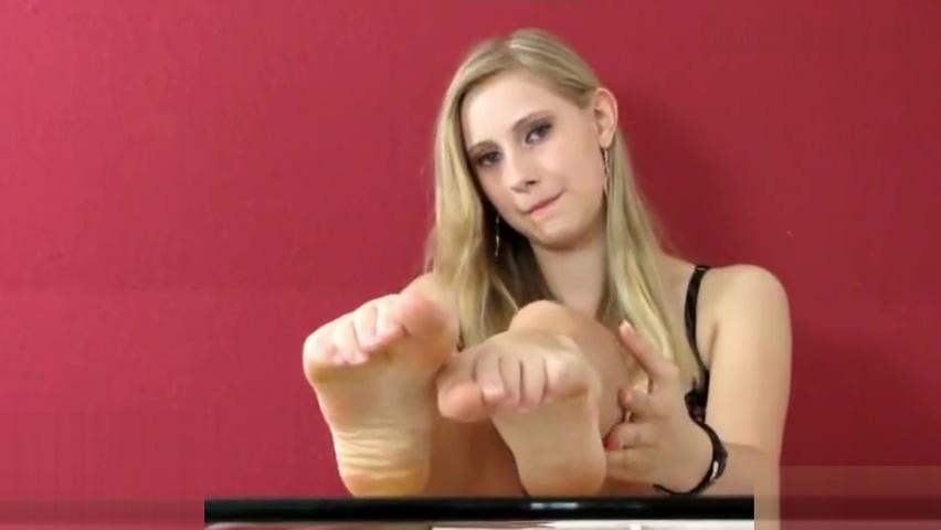 Mandy Sexy Feet Im a hustler hustler