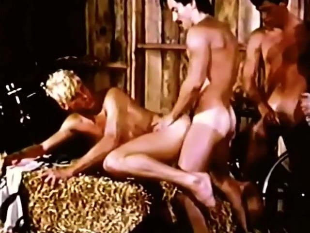 Spokes (1981) Milf white stockings