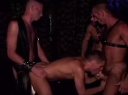 Raw orgy sex ki sahi umar