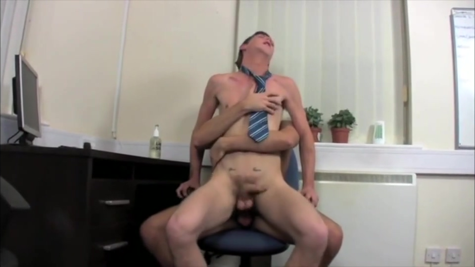 Junior Office Sluts - Welcome my sister caught me